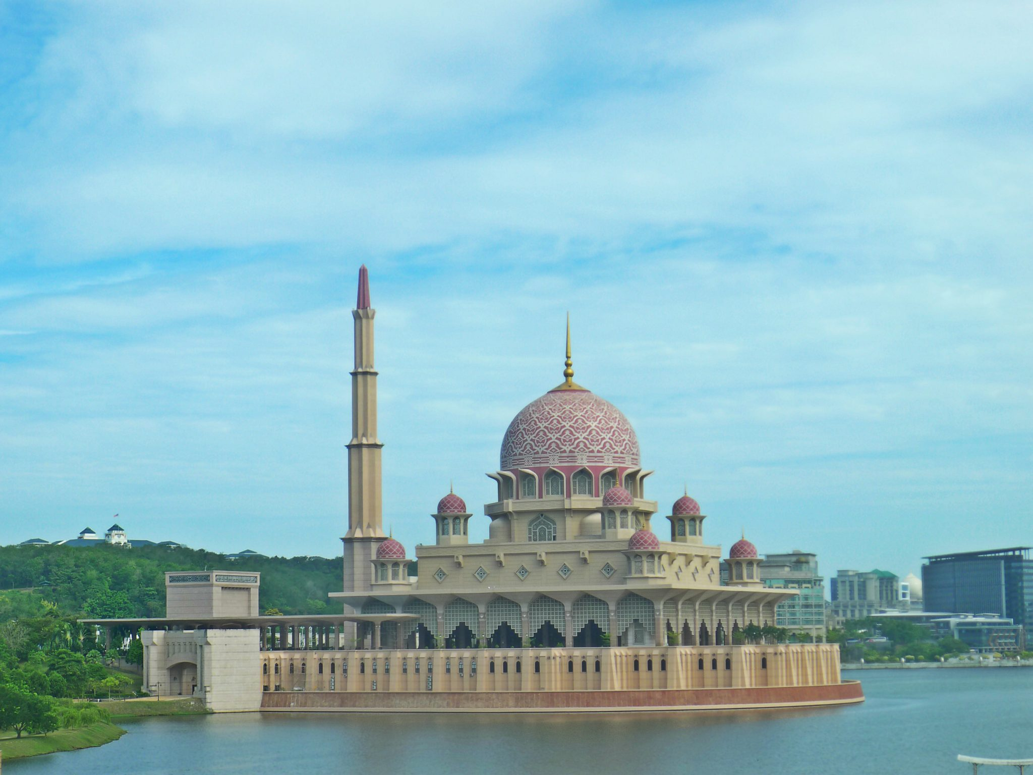 The beautiful Masjid Putra.